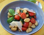 Pan fried potato gnocchi, sautéed honeycomb tomatoes & spinach